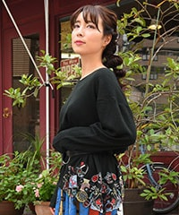 持ち物POP裾刺繍ニットソープルオーバー